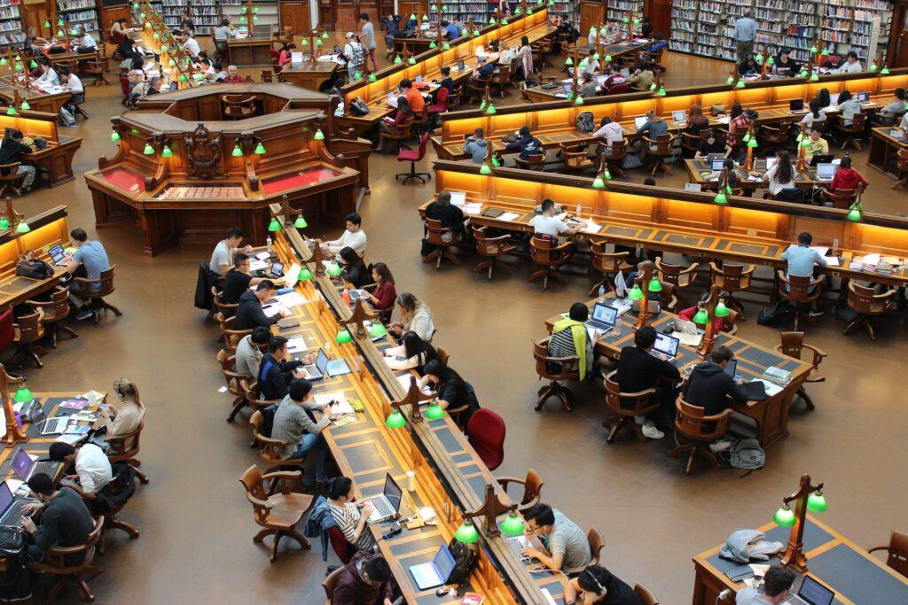 Biblioteca llena